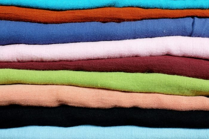 Sorting multiple layers of cloth