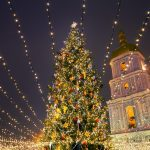 The 35 Best Small Towns for Christmas Lights