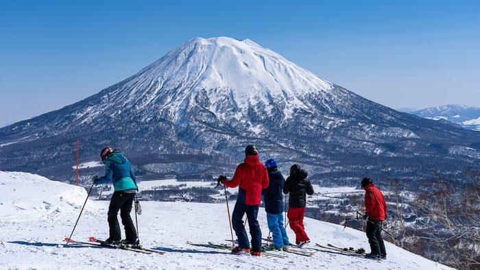 Group Ski on snow mountain