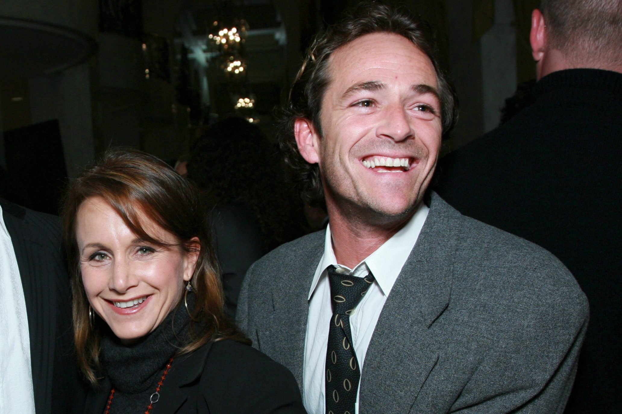 Mandatory Credit: Photo by Alex Berliner/BEI/Shutterstock (712390u) Ian Ziering, Gabrielle Carteris and Luke Perry 7th Annual Discovery Awards Dinner, Beverly Hills, Los Angeles, America - 08 Nov 2007 November 8, 2007 - Beverly Hills, CA. Ian Ziering, Gabrielle Carteris and Luke Perry . Zimmer Children's Museum hosts the 7th annual Discovery Award Dinner honoring Missy Halperin and Linda Simensky .The event was held at the Beverly Wilshire Hotel. Photo by Alex Berliner®Berliner Studio/BEImages ***EXCLUSIVE***EXCLUSIVE***EXCLUSIVE***