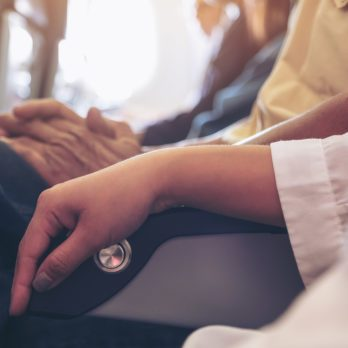 The Unspoken Etiquette Rules of Reclining Your Airplane Seat