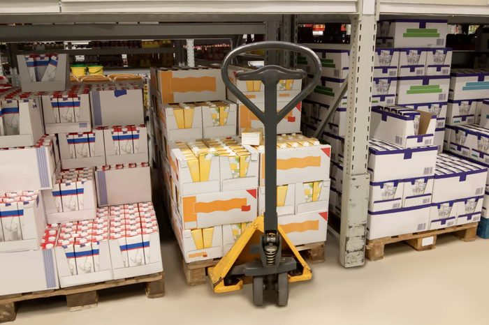 lifting cart in a high rack warehouse
