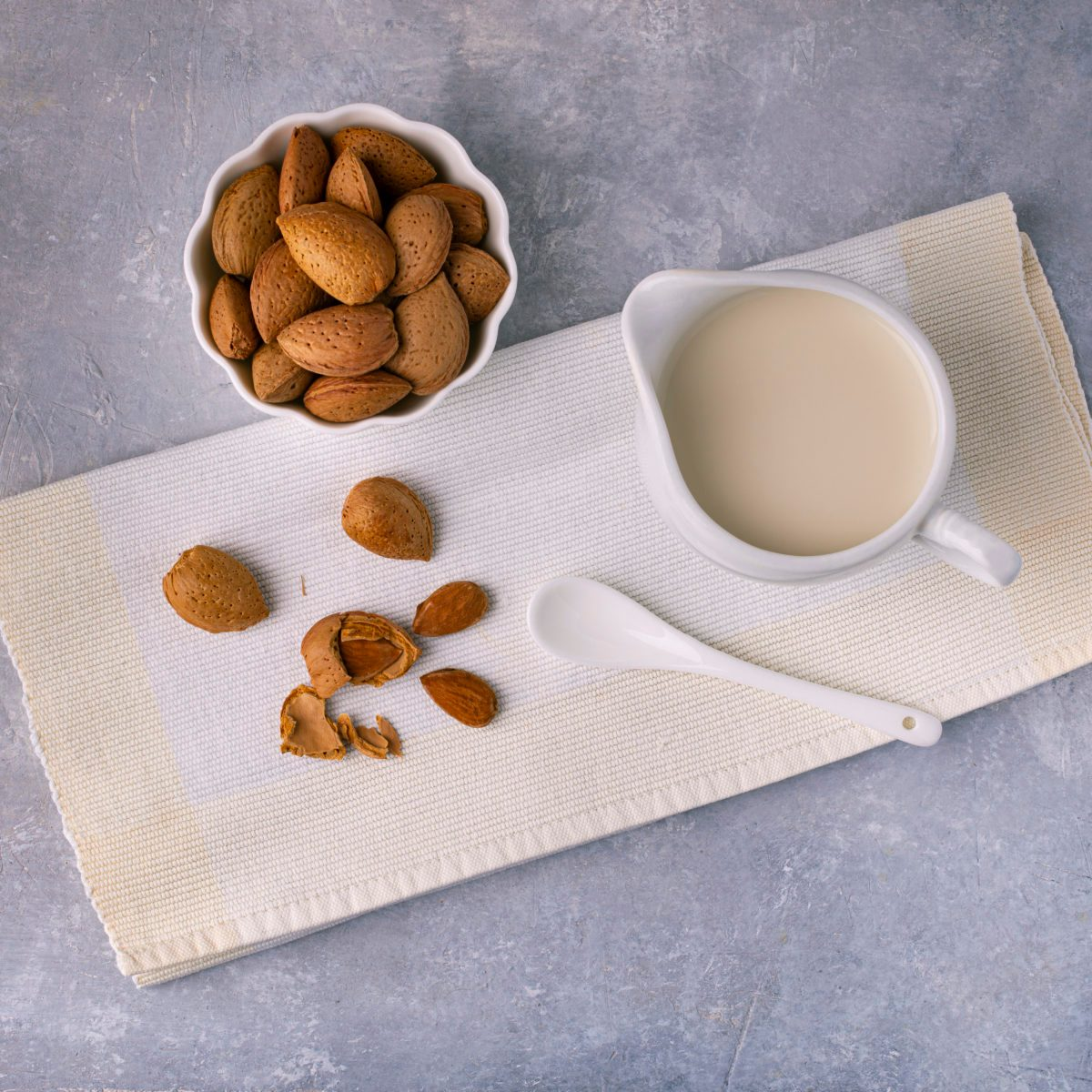 The Downside of Almond Milk People Aren't Talking About