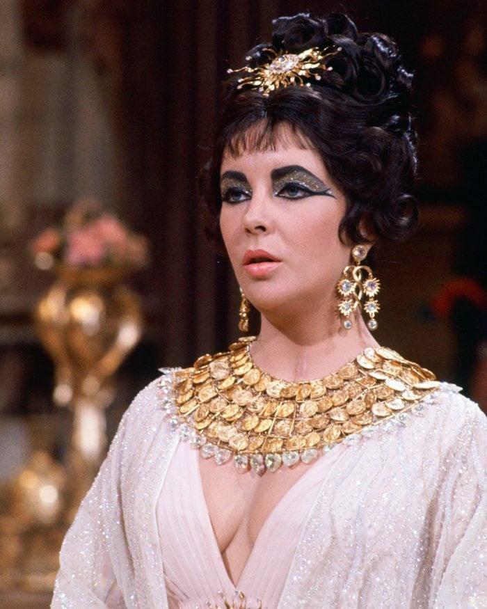 Elizabeth Taylor cleopatra film fashion movie