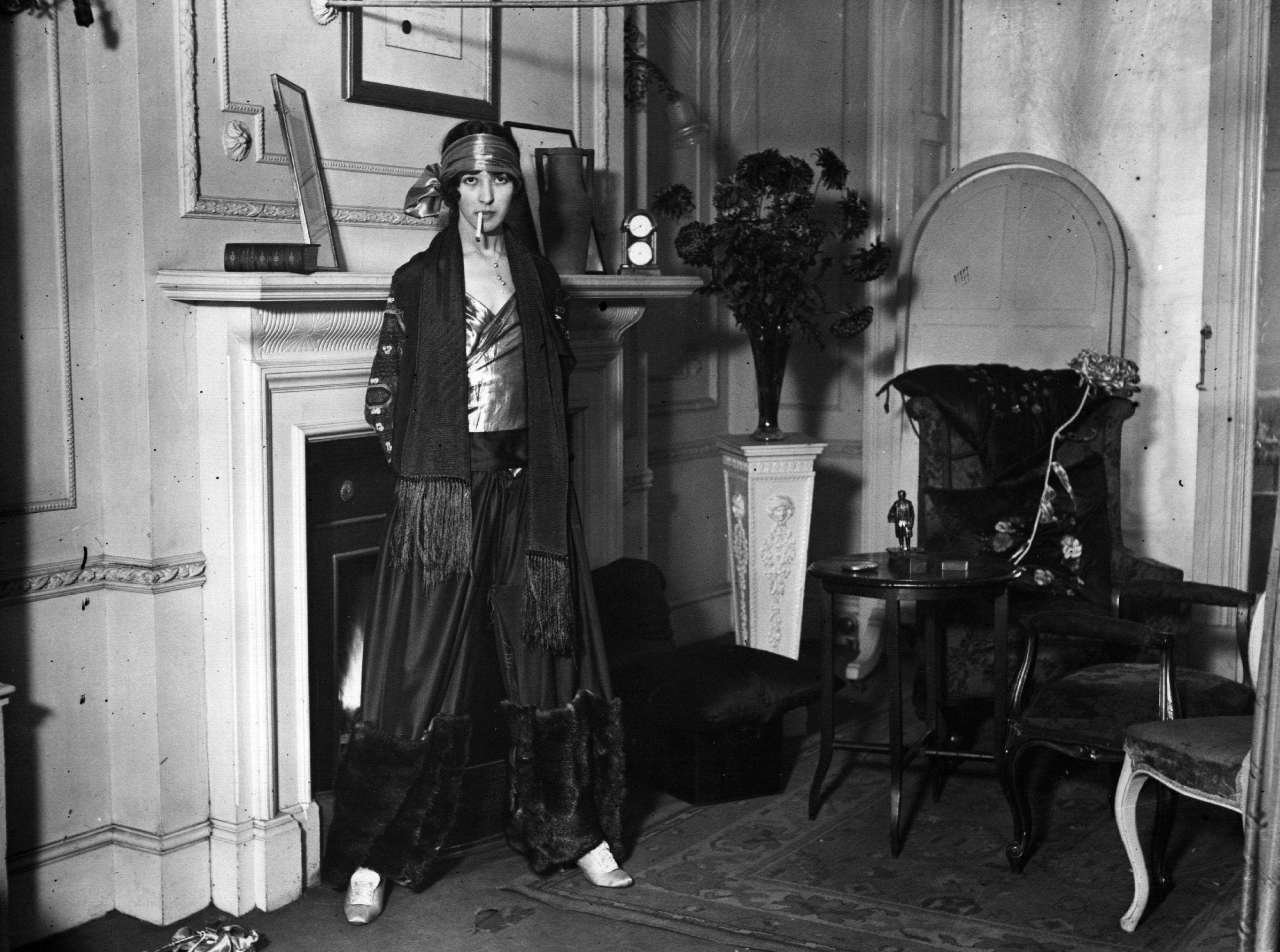 smoking suit woman 1920s