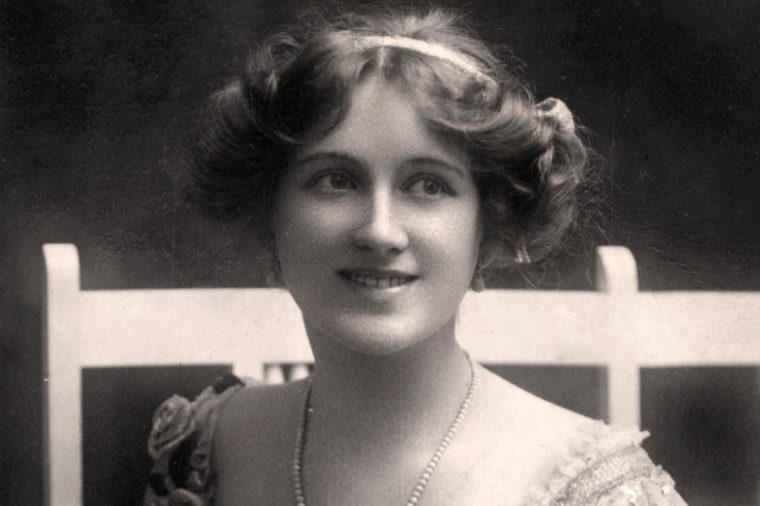 Nina Sevening, British actress, early 20th century