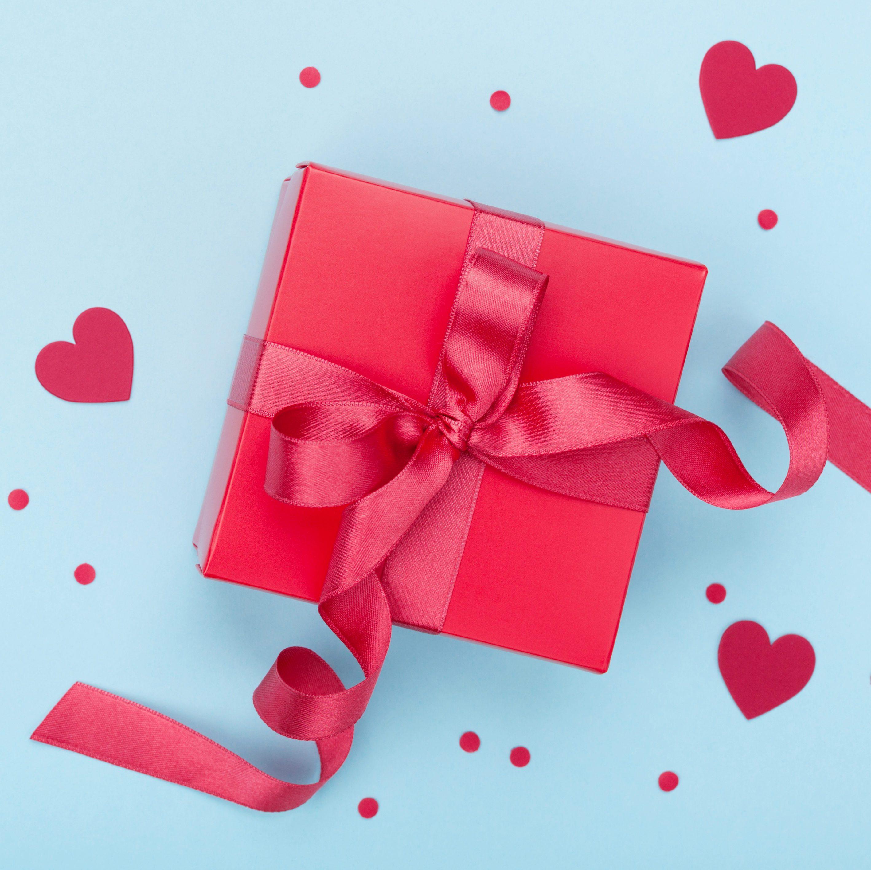 gift box hearts