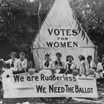 13 Rarely Seen Photos of the First Women Voters in 1920