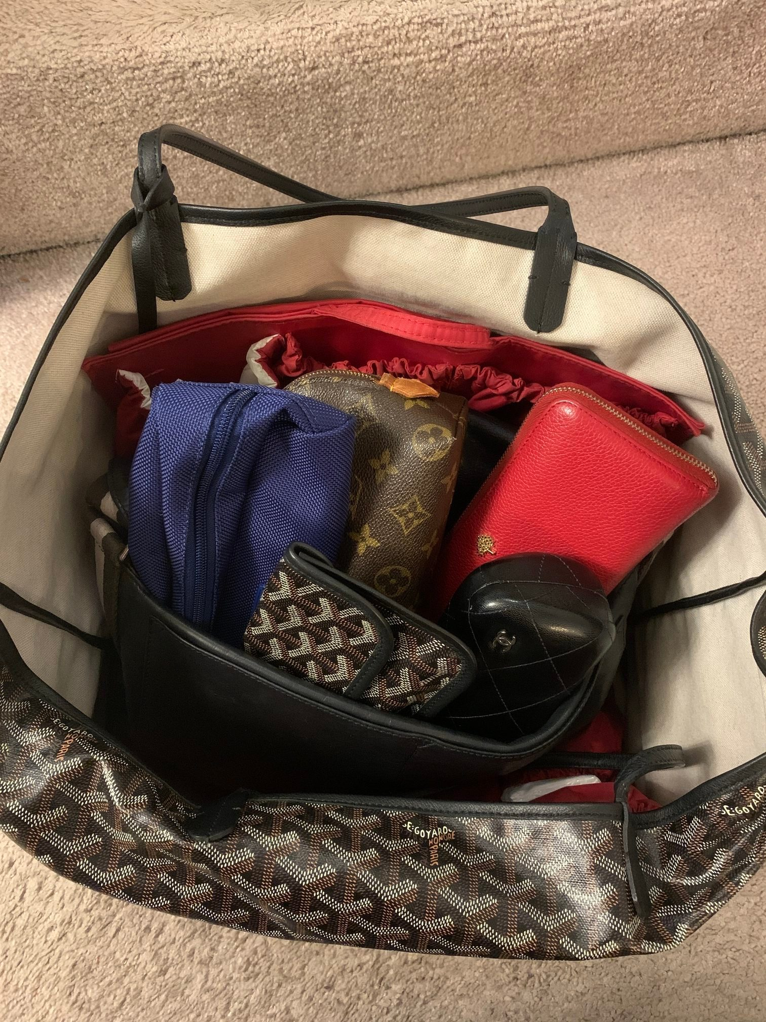purse with smaller items pack international 2 weeks carry on