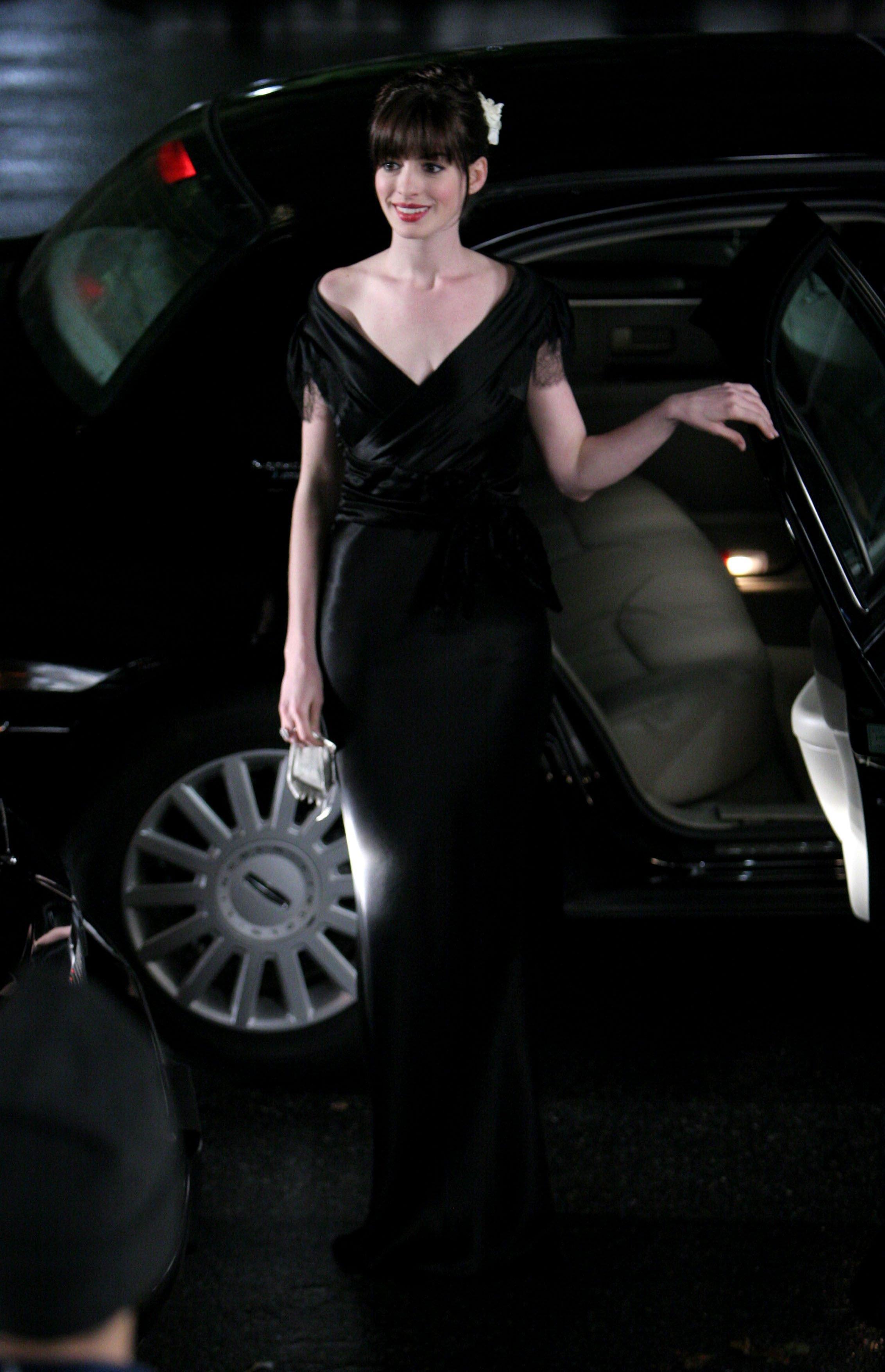 Anne Hathaway devil wears prada new york fashion