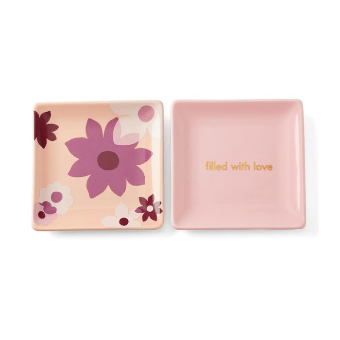For the home decorator: Kate Spade New York Sweet Talk Trinket Trays