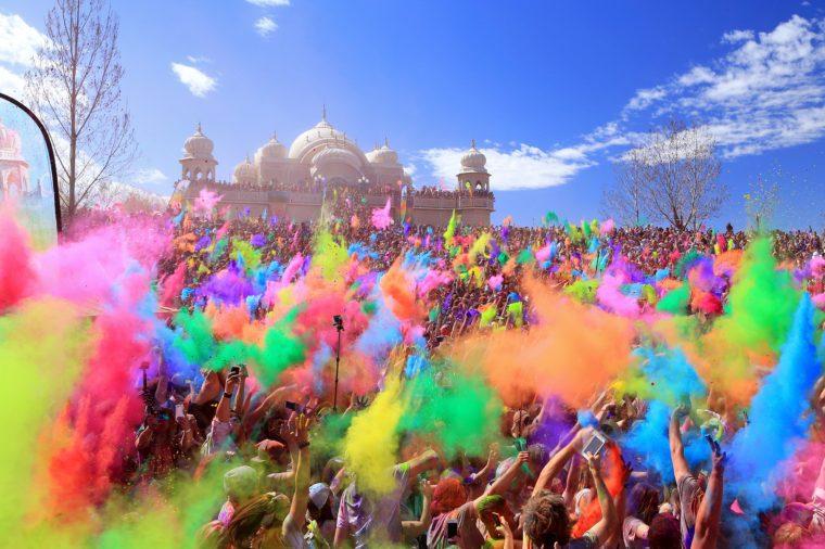Spanish Fork, Utah, USA. 3/28/15. Throwing color at the Krishna color festival