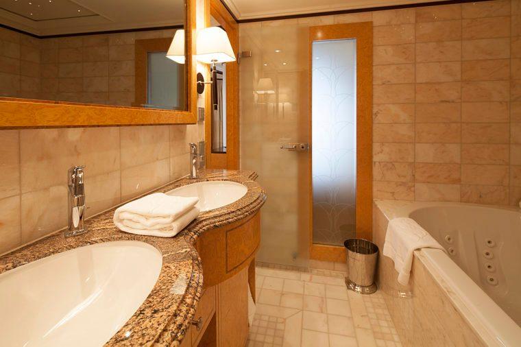 disney cruise bath bathroom tub