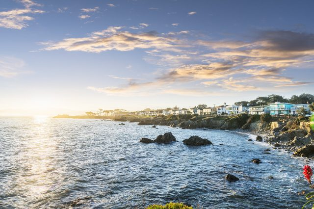 carmel by the sea california romantic towns