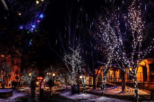 aspen colorado most romantic towns night lights