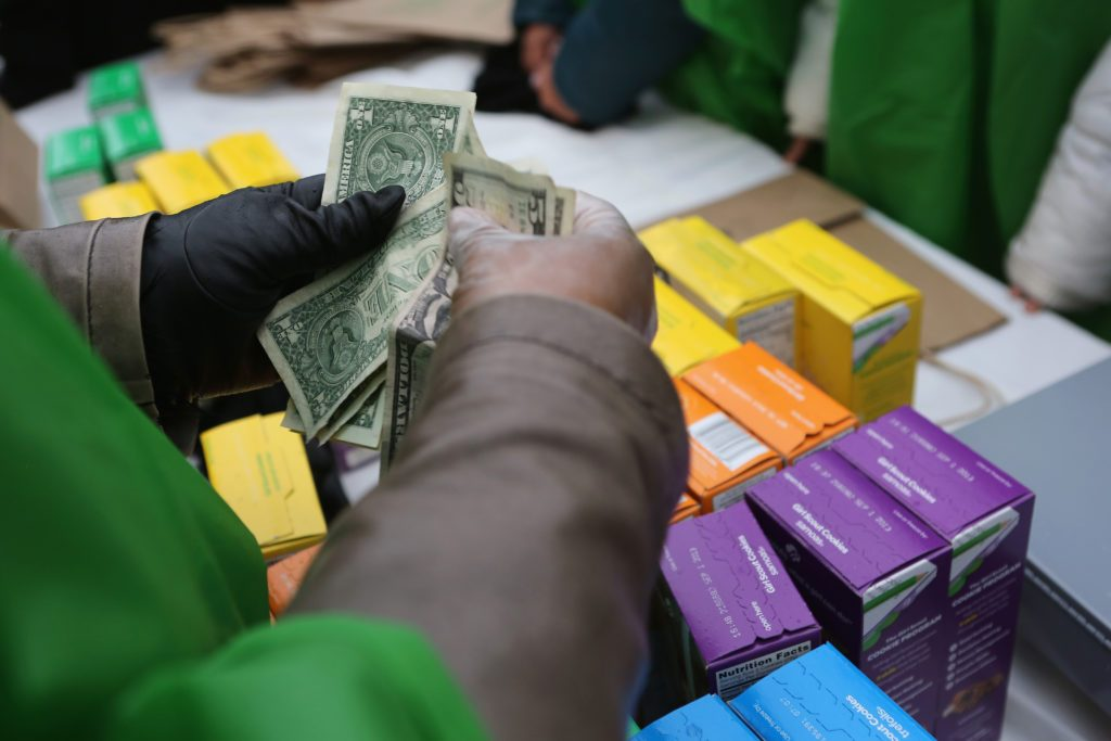 girl scout cookies sale money