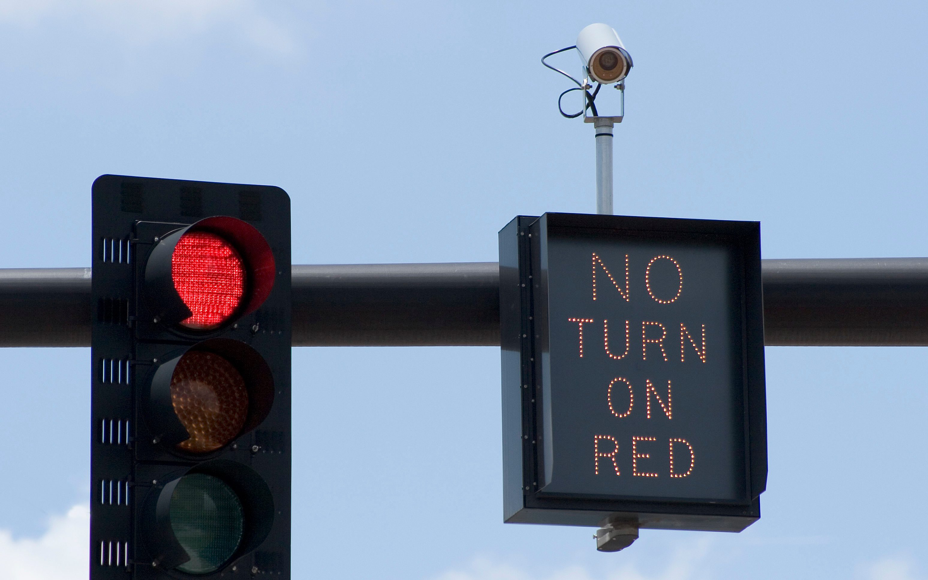 How Do You Know If A Red Light Camera Caught You Reader S Digest