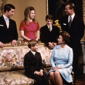 queen elizabeth ii mother royal family