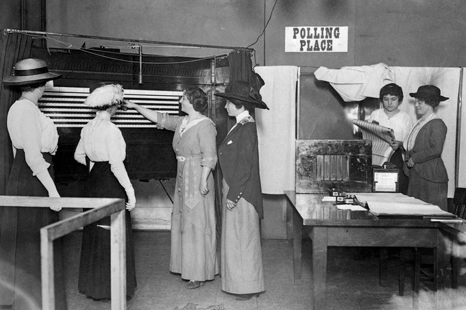Women in Illinois were granted municipal suffrage in 1913 and they forthwith learned how to exercise the franchise by means of the voting machine.