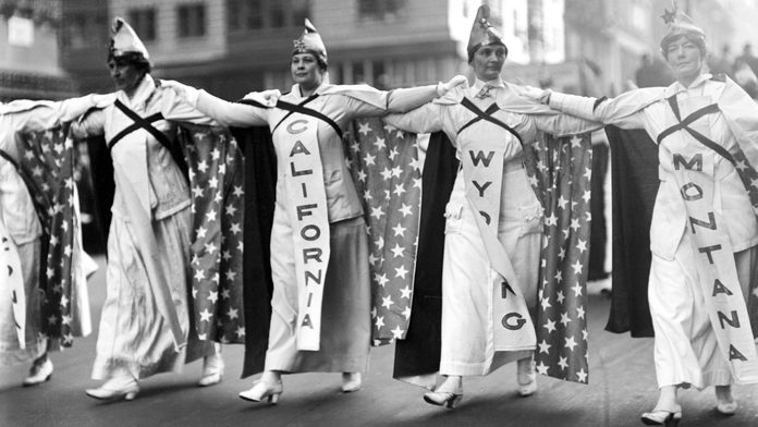 Taken October 23, during the parade of over 25,000 women advocated of equal suffrage, shows a close up view of the women representing California Wyoming and Montana. Three of the States of the Union in which women have been granted the franchise, as they paraded up Fifth Avenue.