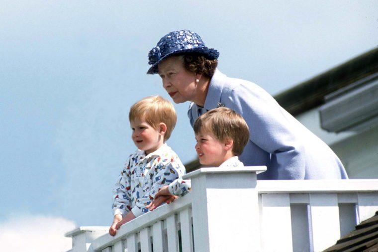 queen elizabeth and grandchildren
