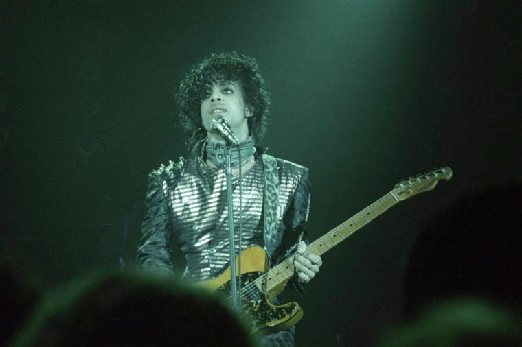 Prince performs a benefit concert in minnesota minneapolis