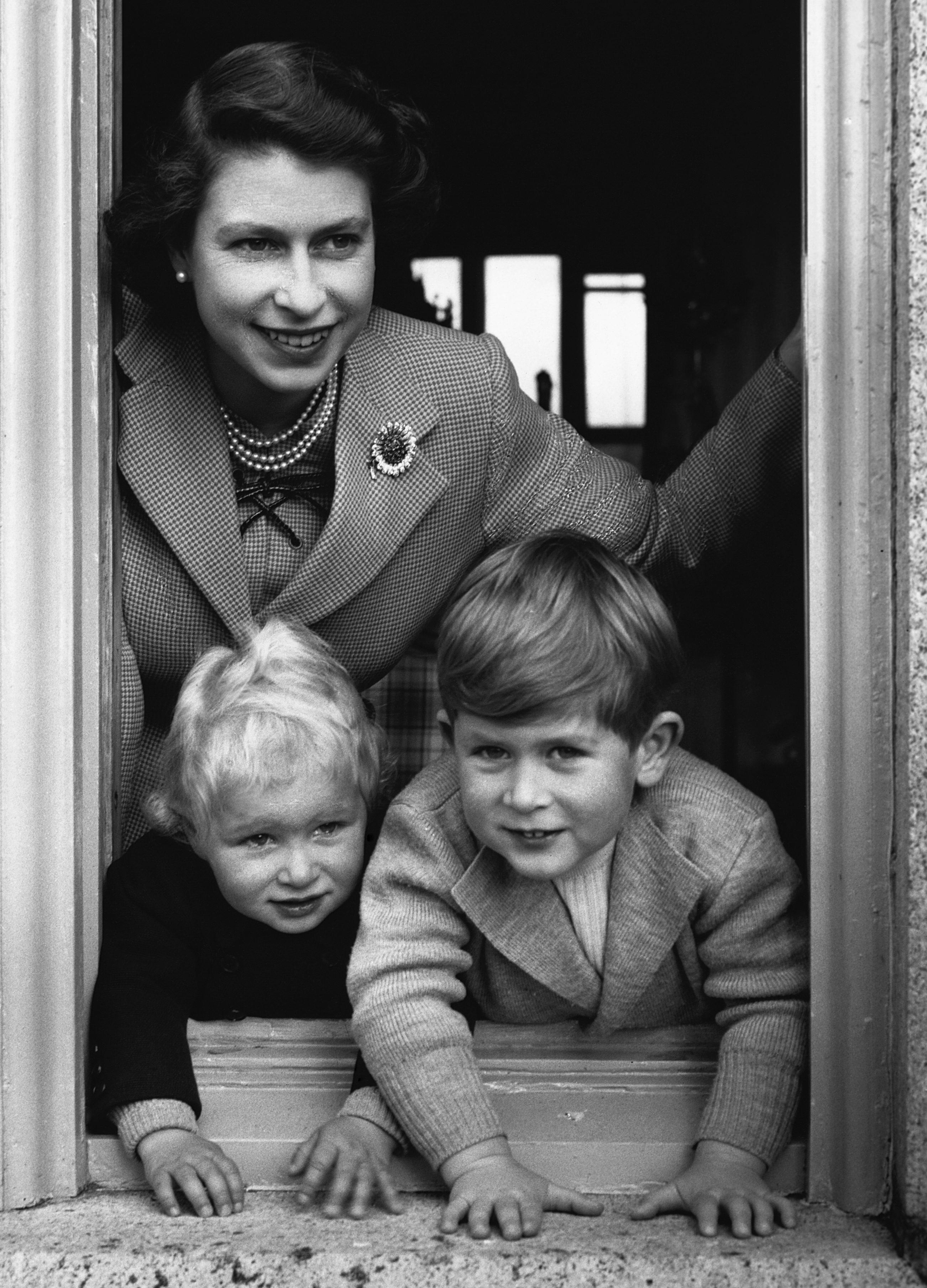 queen elizabeth ii and her children mother