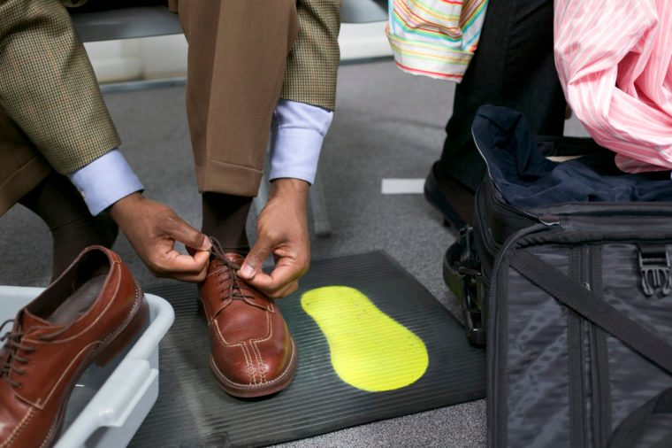 shoe scanner airport