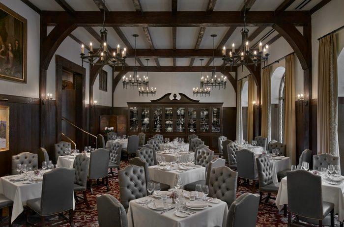 Deer Path Inn dining room, Illinois