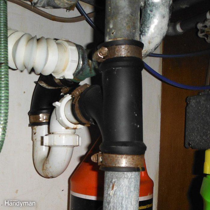 Kitchen_sink_drain_improper