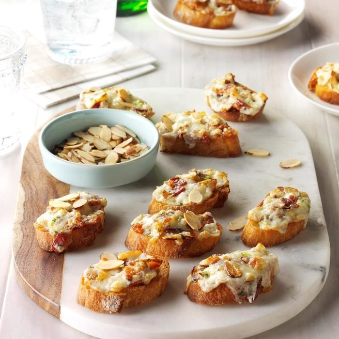 almond bacon cheese crostini