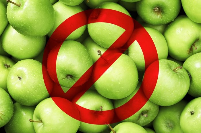 apples sugary food don't eat before traveling