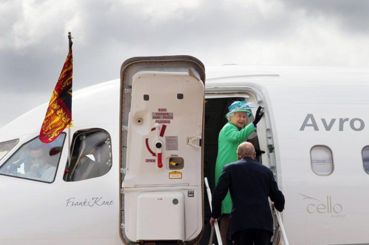 queen elizabeth ii plane