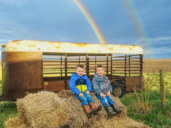 kids rainbow farm