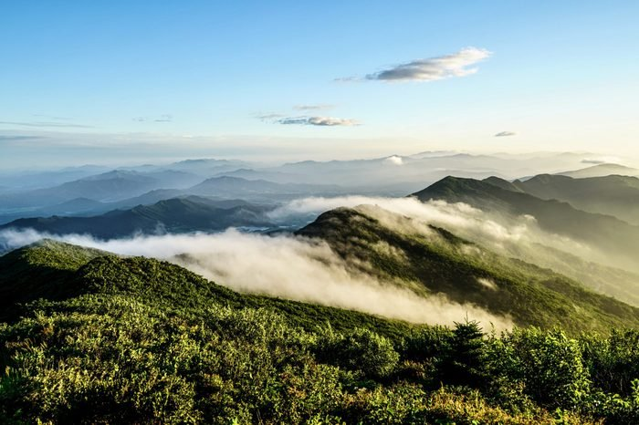 korea VD703 A cloudy morning peak