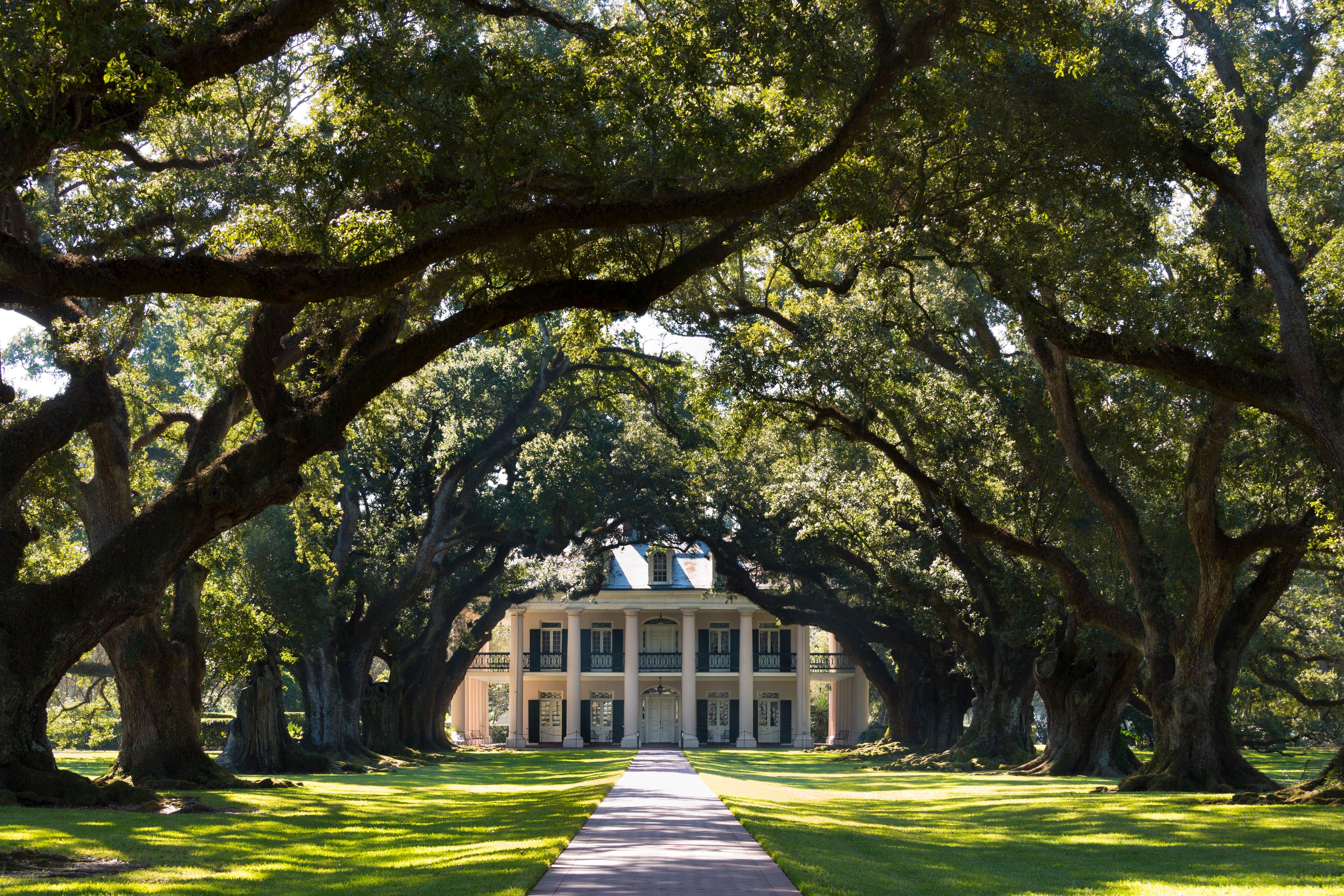Oak Alley Plantation Antebellum Mansion, USA