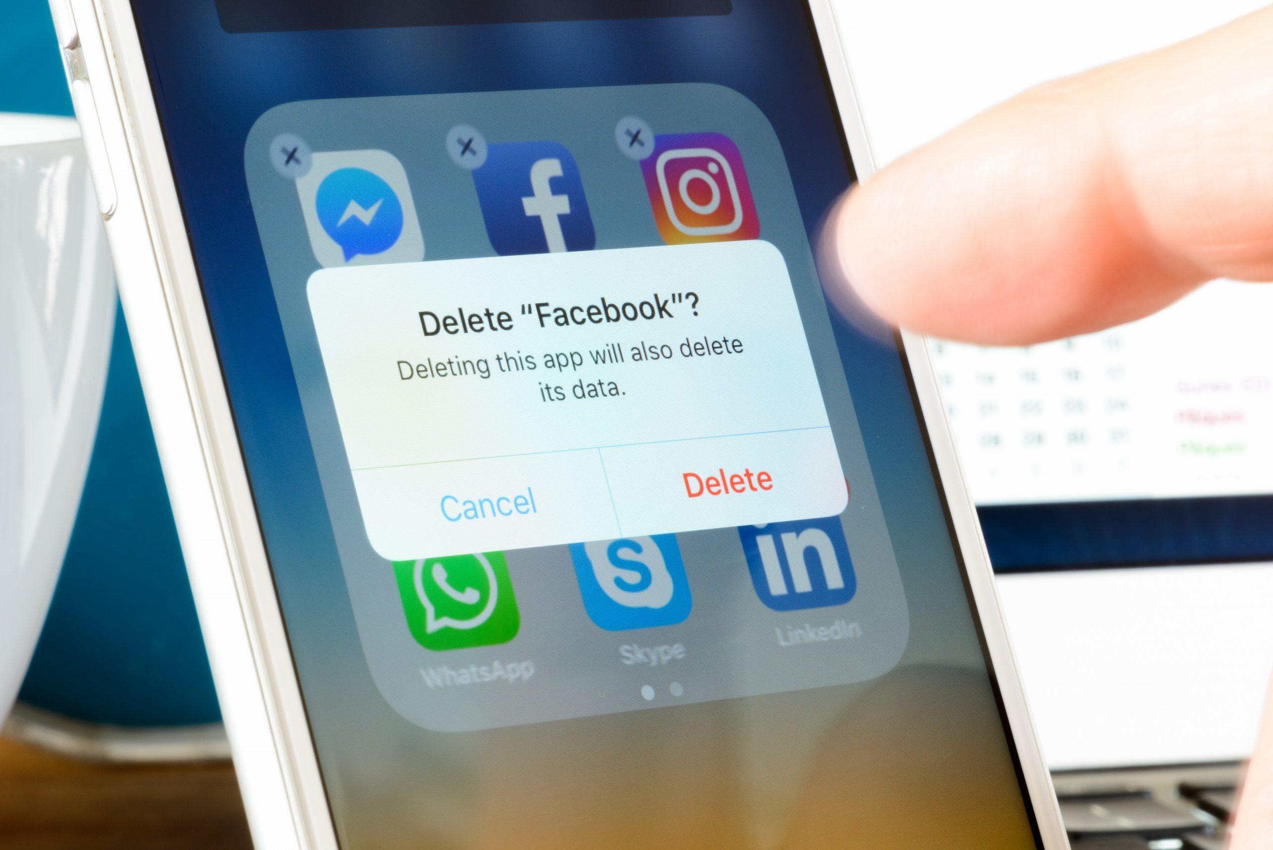 Deleting Facebook App from Smartphone