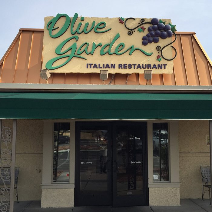 Company Signs Olive Garden