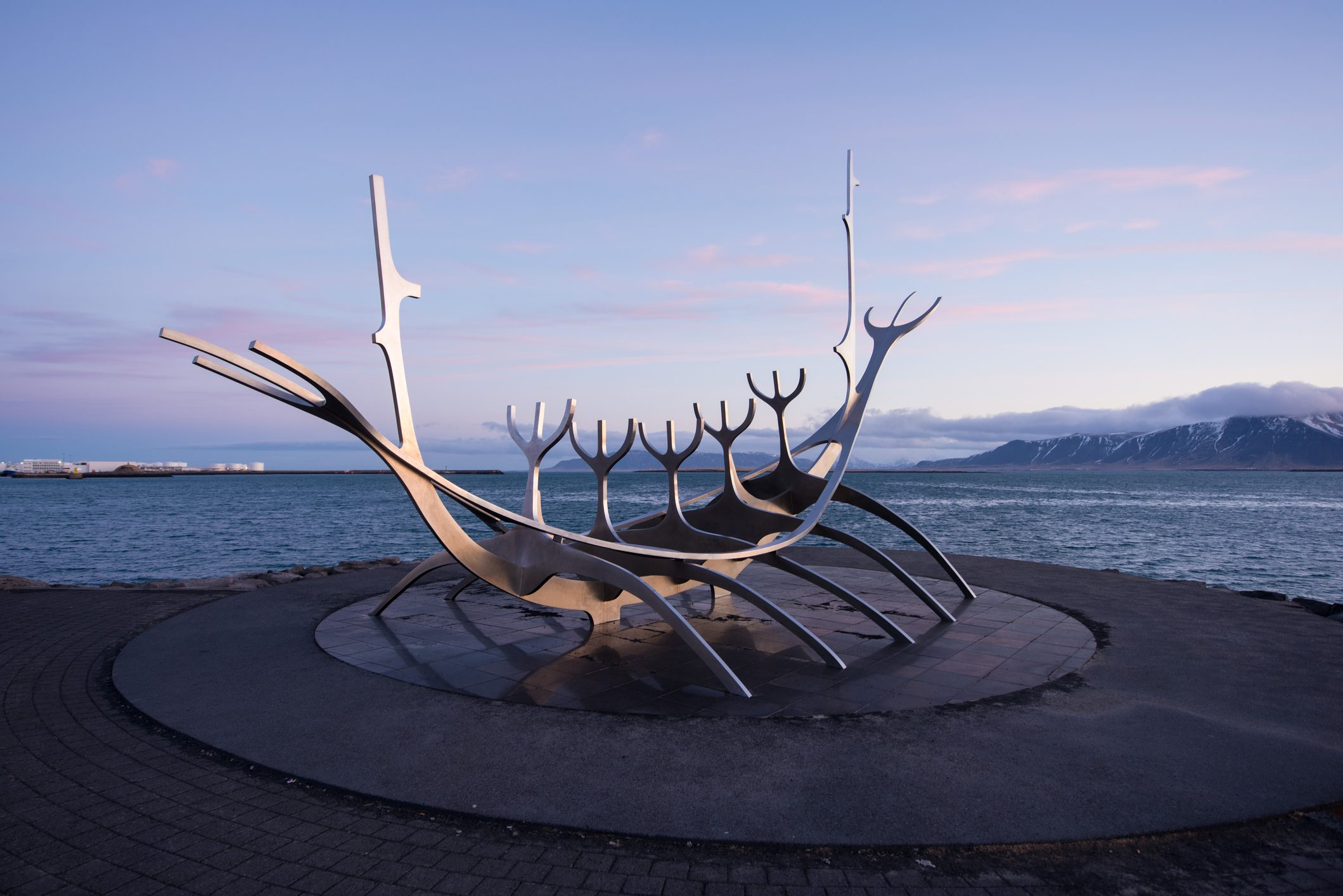 solar of sun voyager with the mountain in background