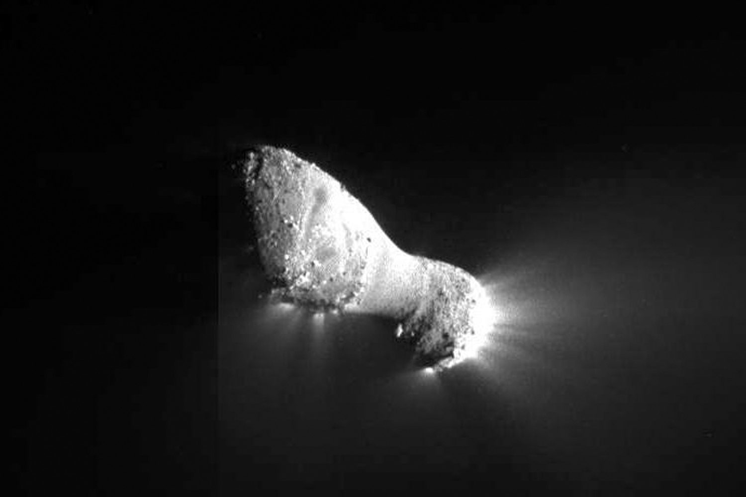 Comet Hartley 2 Photographed By NASA's EPOXI Mission