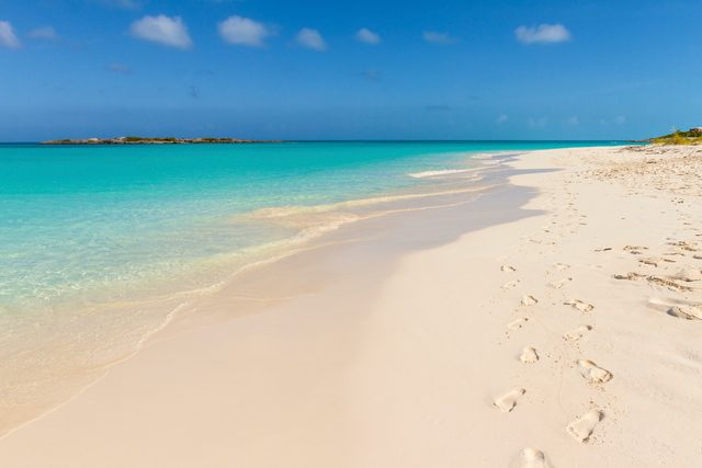 Tropic of Cancer Beach in Exuma - Bahamas