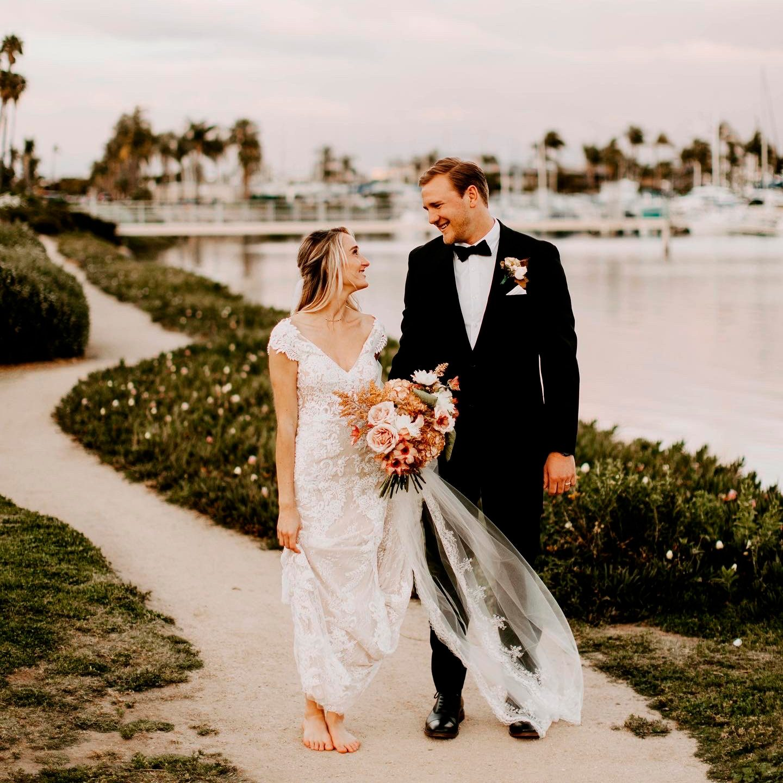 coronavirus social distance wedding