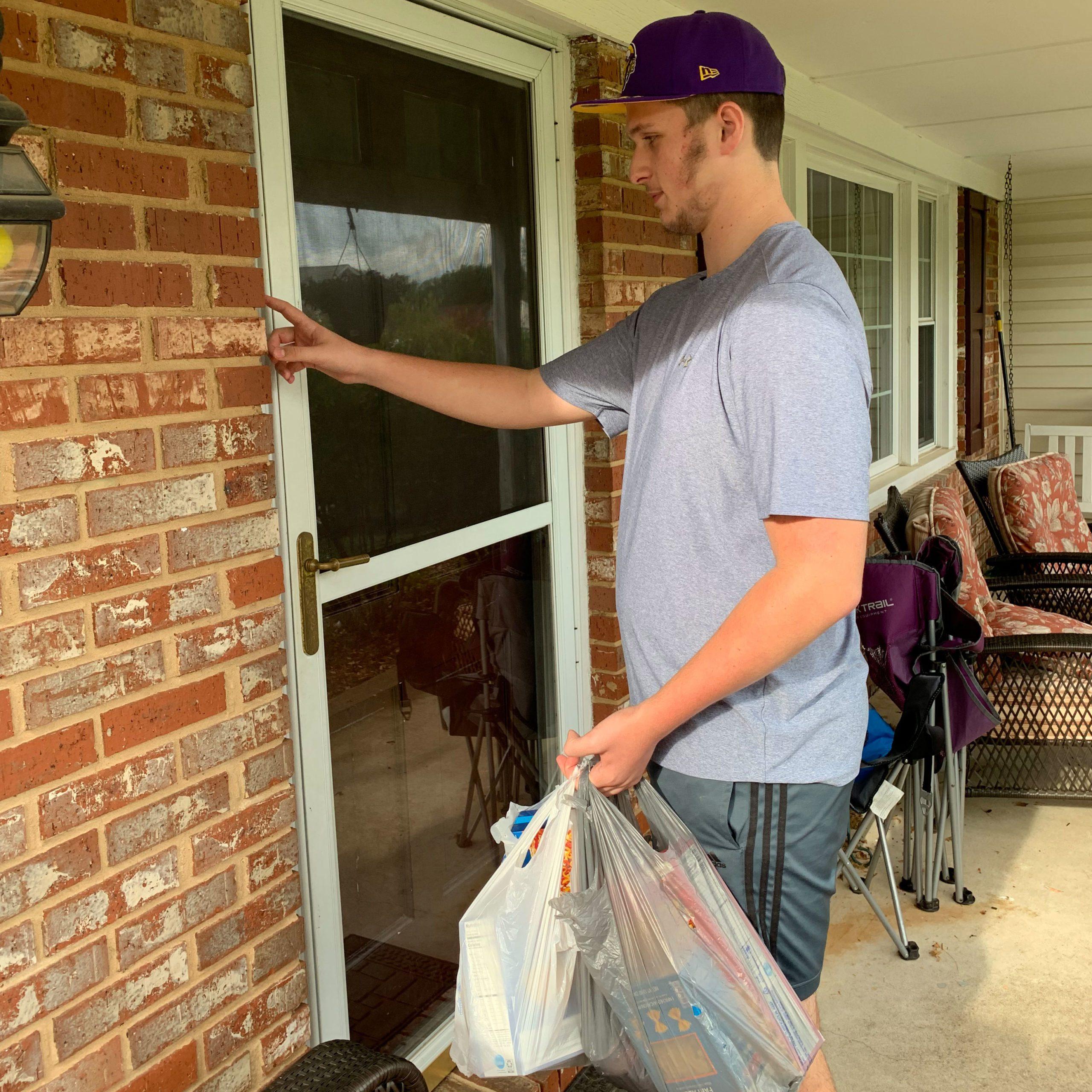 michael owens delivering groceries