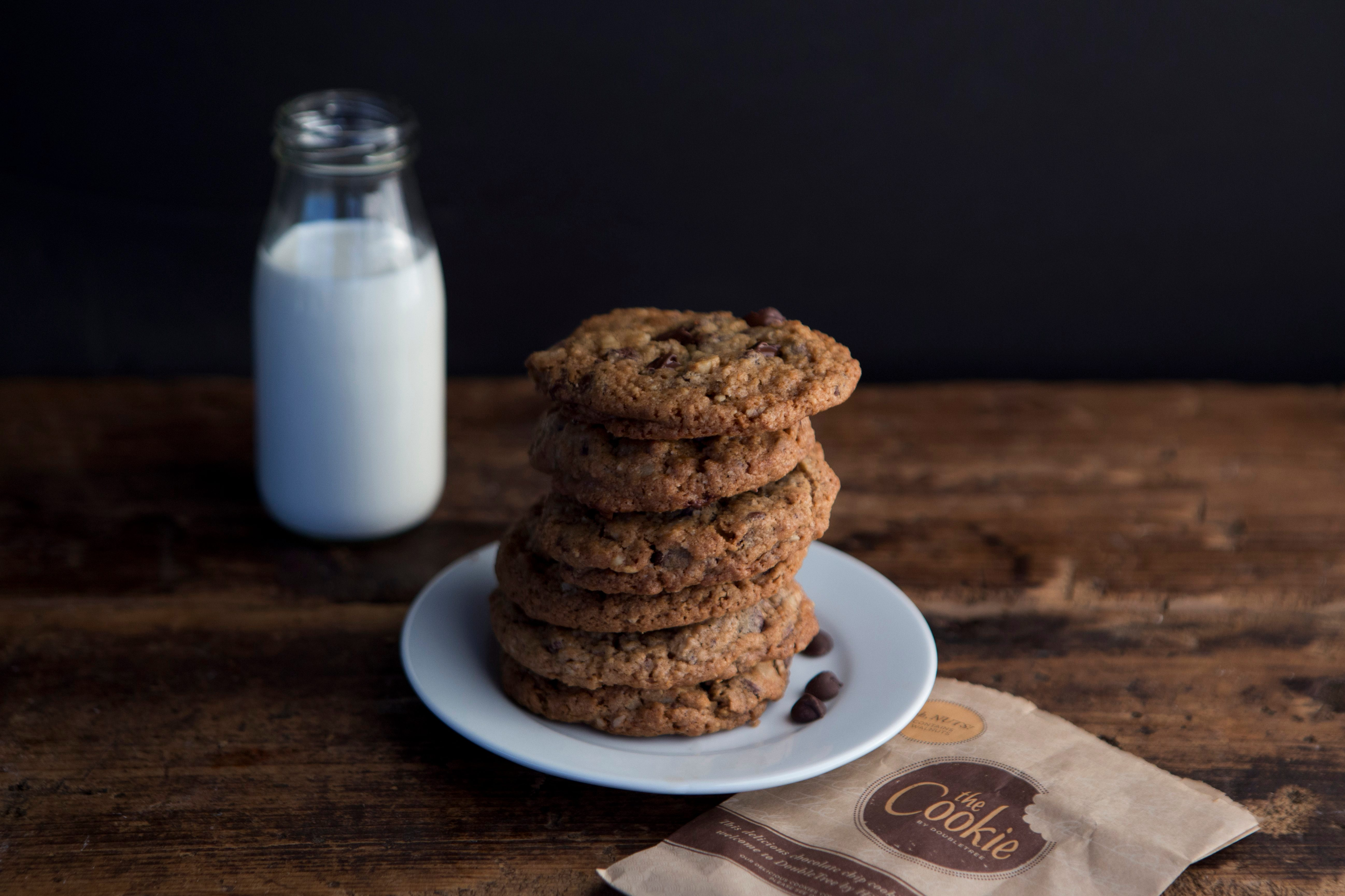 doubletree by hilton chocolate chip cookies recipe