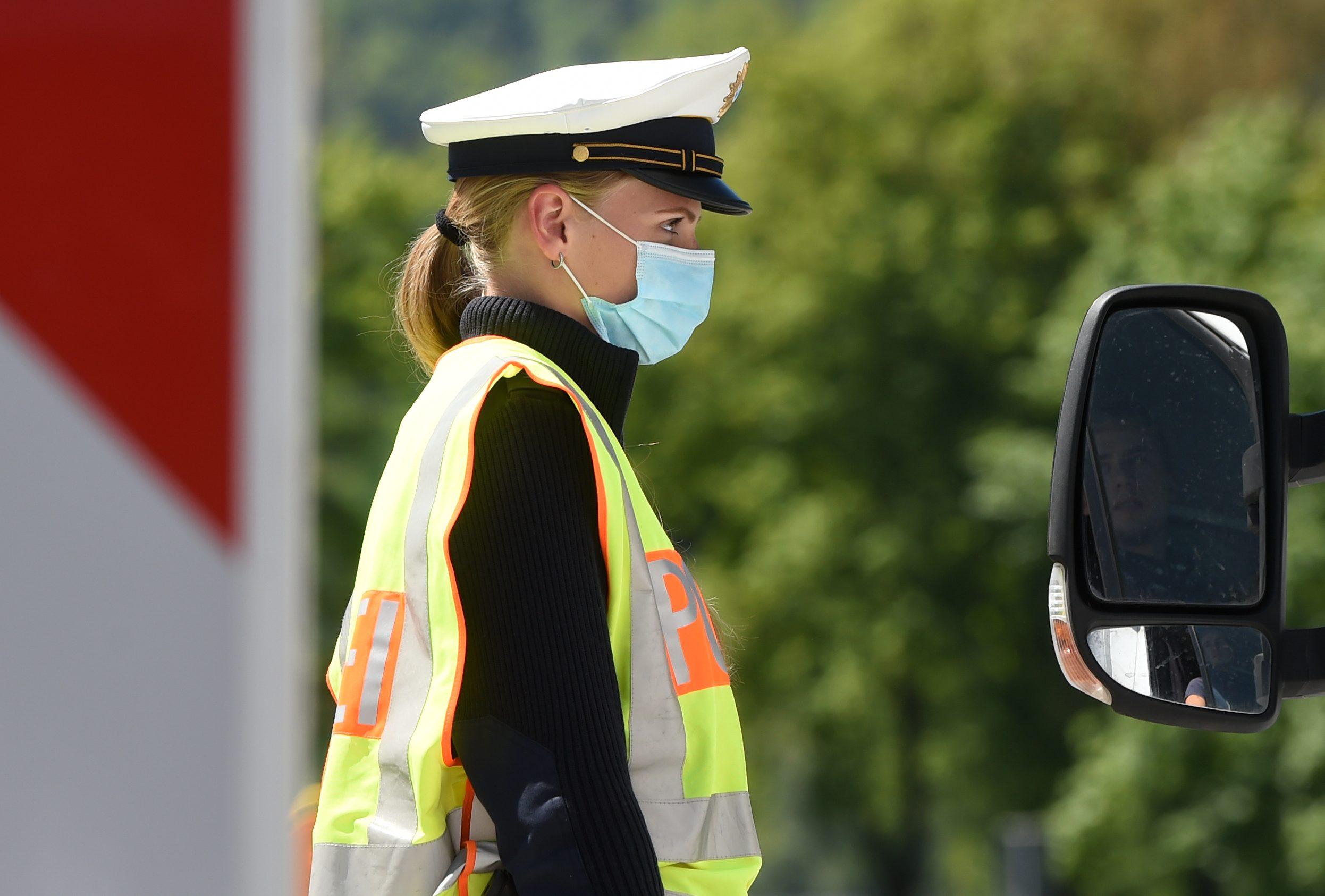 GERMANY-AUSTRIA-HEALTH-VIRUS-BORDER-POLICE