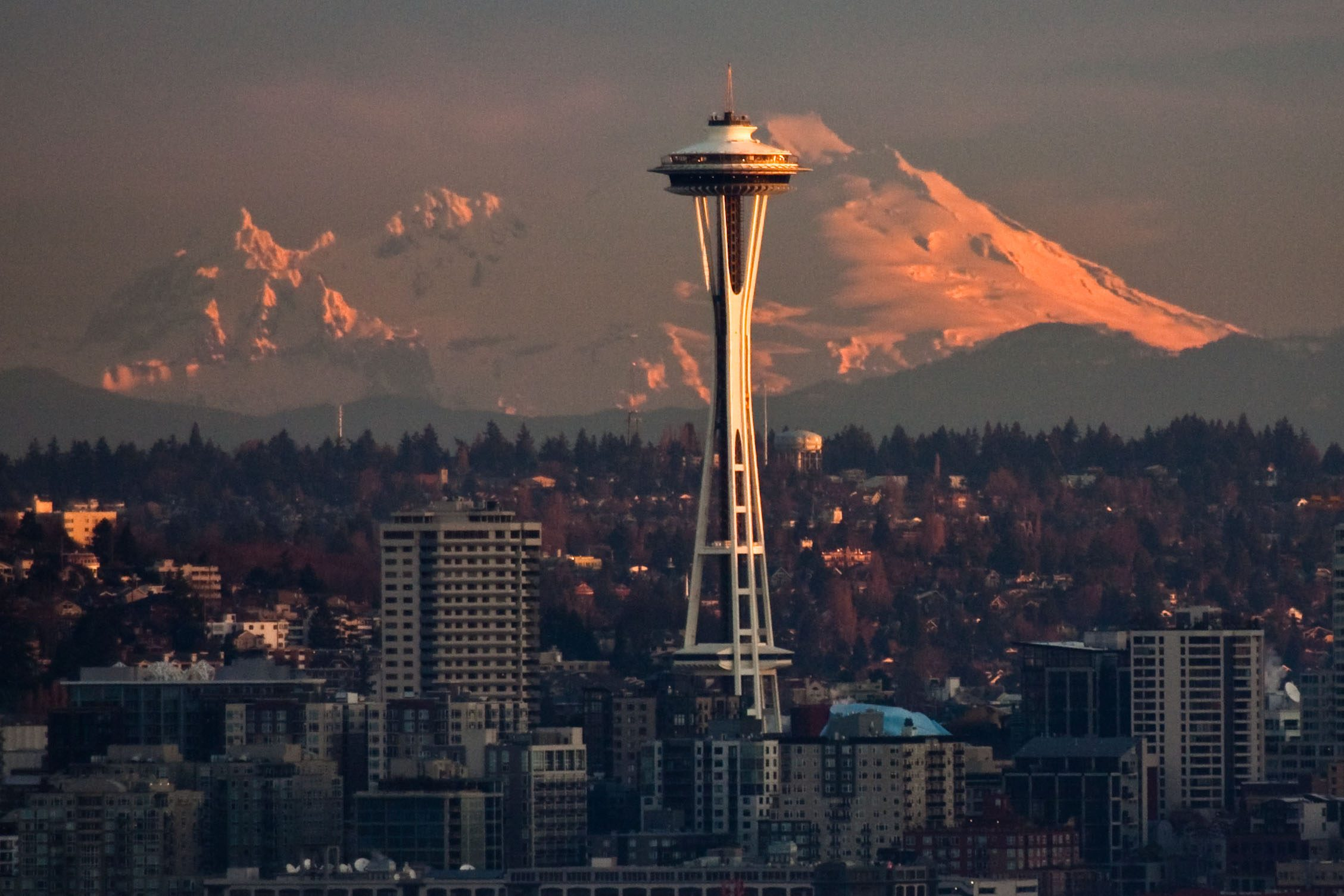 Sunrise Space Needle and Mountain (Mt. Baker)