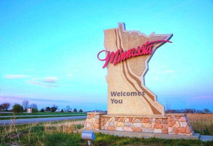 Minnesota welcomes you sign