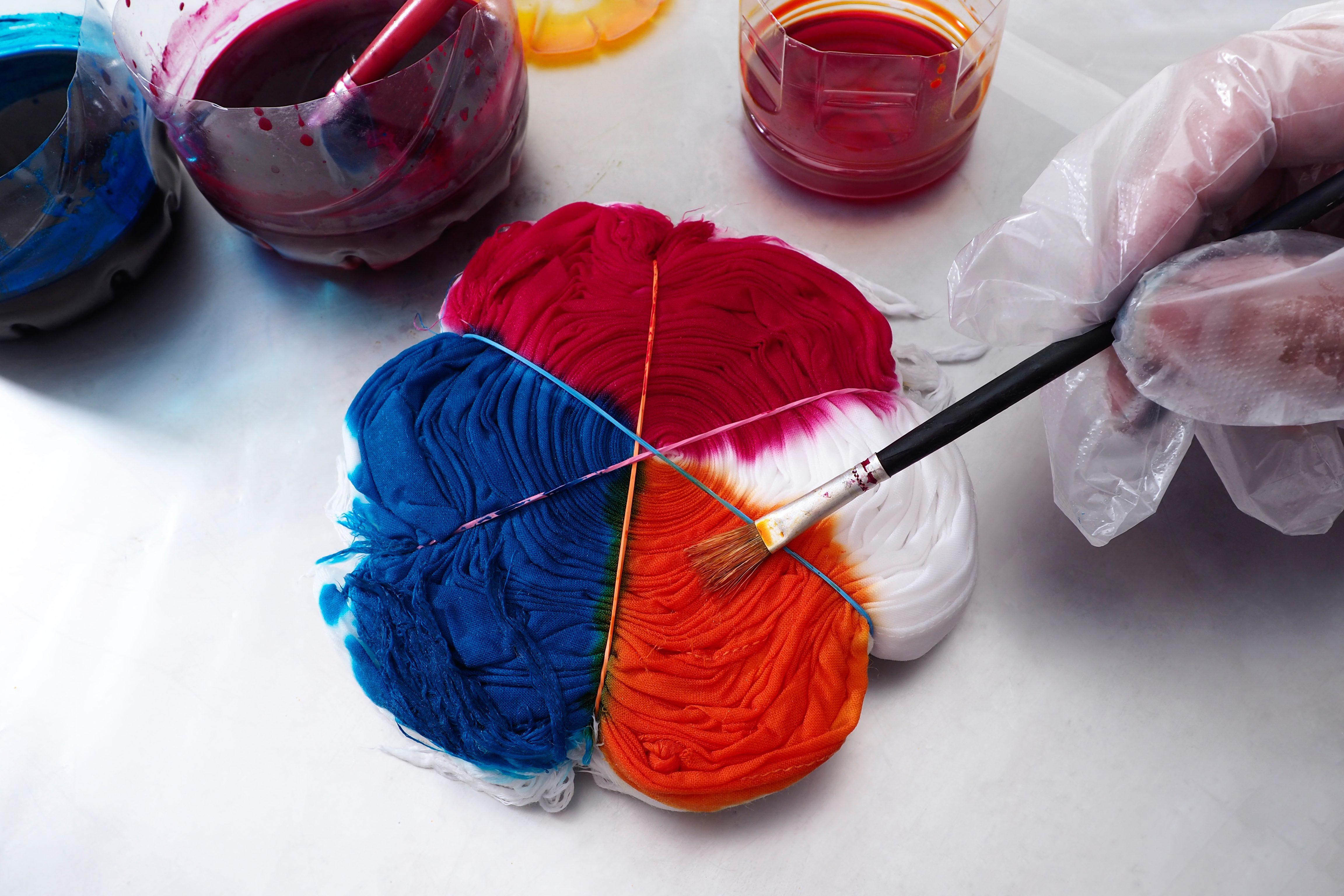 Fabric Tie-dye.