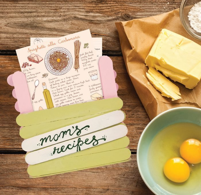 moms recipe holder craft stick mothers day craft project idea