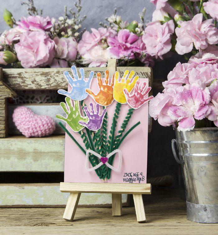handprint bouquet mothers day craft idea